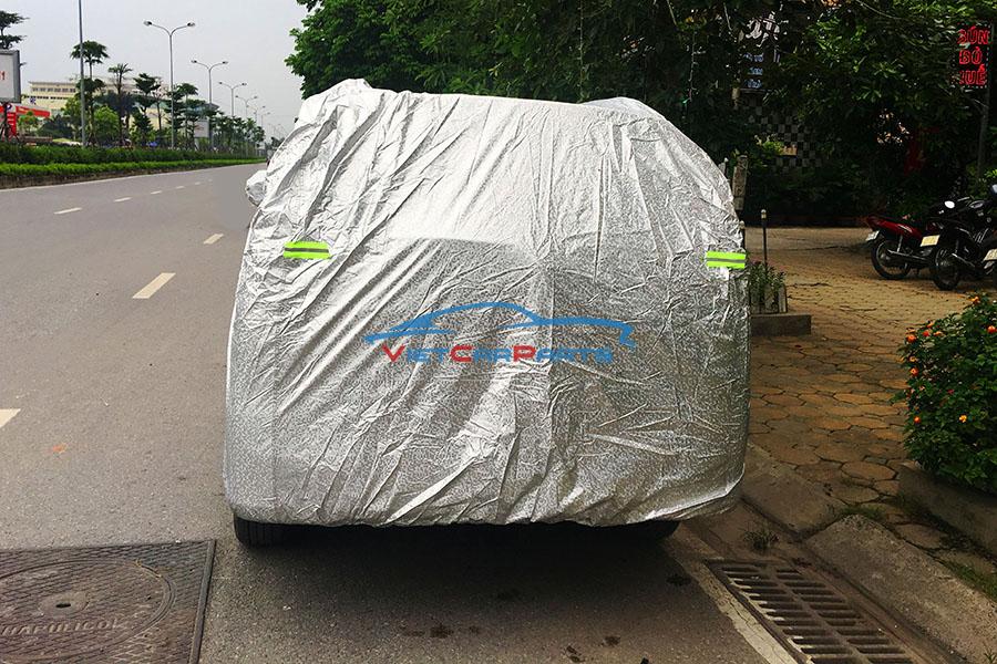 Mặt sau bạt phủ xe ô tô 7 chỗInnova